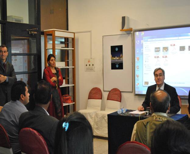 The Ambassador of France answers questions from the press. - JPEG