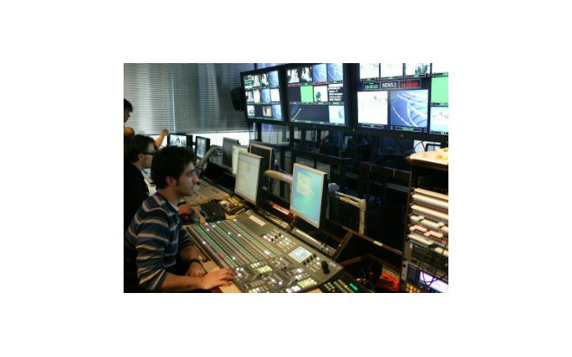 Production control room, FRANCE24, Issy-les-Moulineaux
