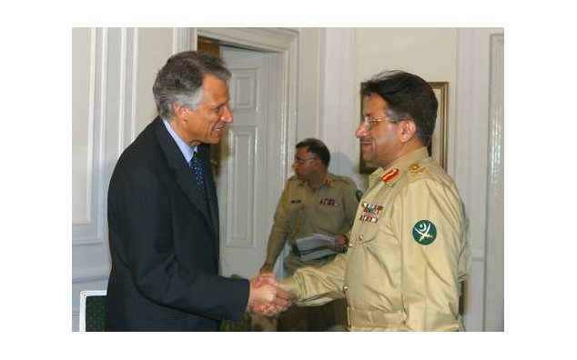 Visit to Pakistan of Mr. Dominique de Villepin (03.08.2002)