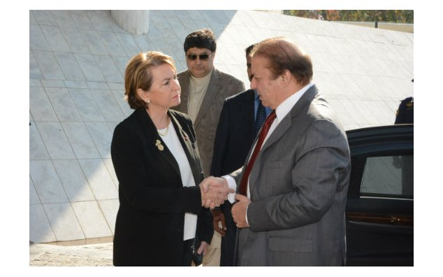 Mrs. Martine Dorance, Ambassador of France to Pakistan, welcome Mr. Nawaz Sharif, Prime Minister of the Islamic Republic of Pakistan, at the French Embassy Islamabad on 17 November 2015.
