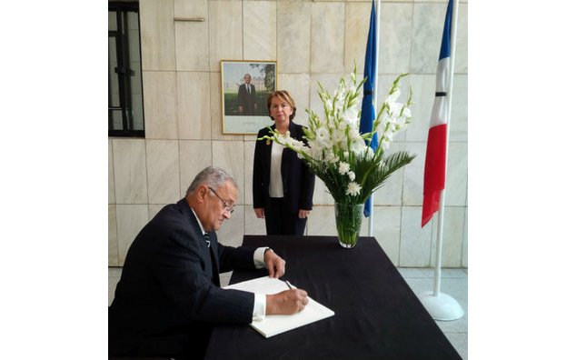 Mr. Nisar Memon sign the condolence book at the French Embassy